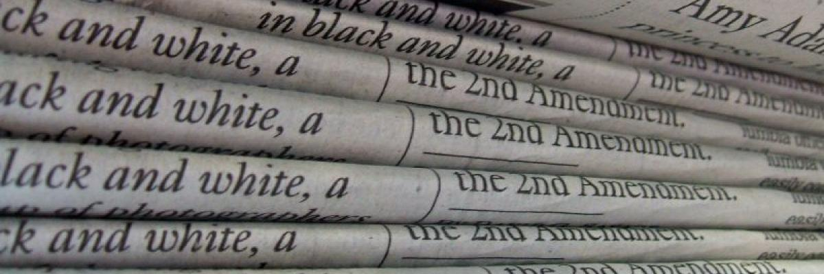 A stack of newspapers LA Times by Daniel R. Blume, licence CC:BY-SA. Source [Flickr]