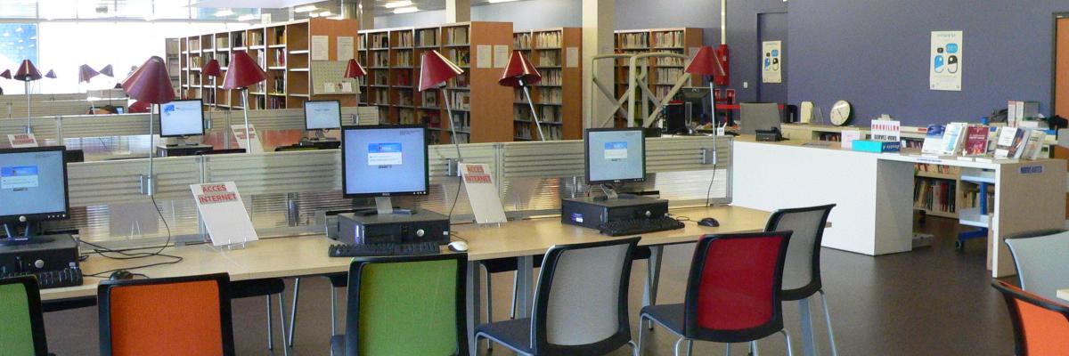 Photo de la bibliothèque par Didier Collet