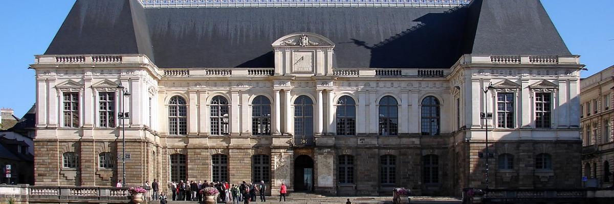 Rennes Palais du parlement de Bretagne. Source [wikimedia commons]