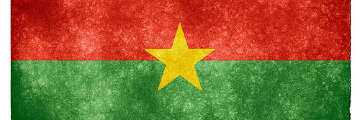 Burkina Faso Grunge Flag par Free grunge Pictures, Licence CC : BY. Source [Flickr]