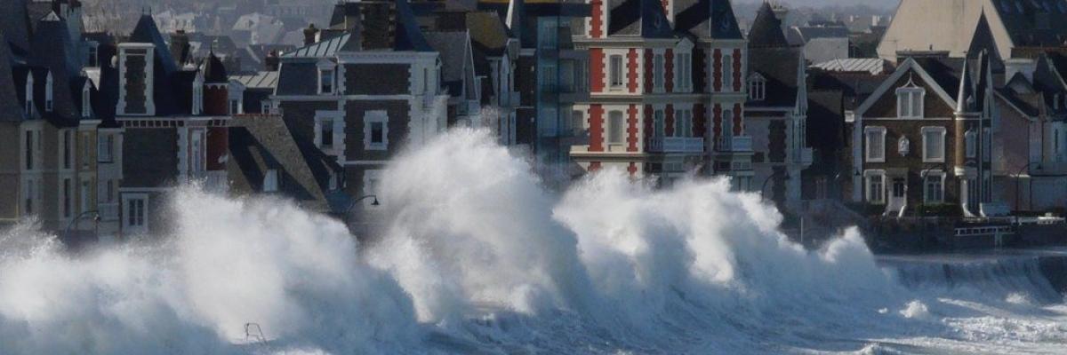 vagues menaçantes par patrickmanach, licence CC:BY-NC-ND, source [Flick'r]