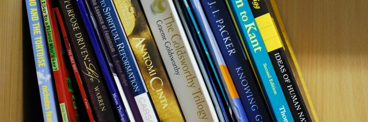books par areta ekarafi, licence CC : BY-NC-ND 2.0. Source [Flickr]
