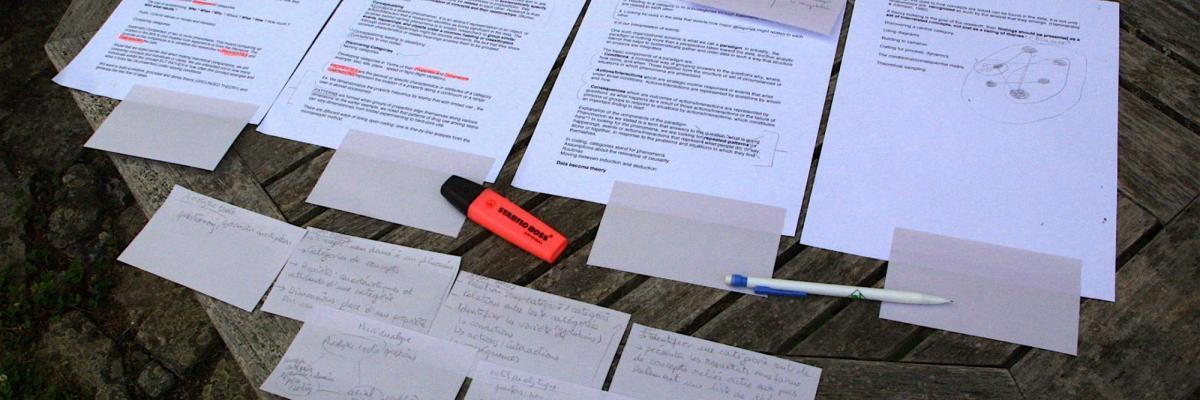 Phd writing | Grounded Theory par jeanbaptisteparis, licence CC : BY-SA 2.0. Source [Flickr]