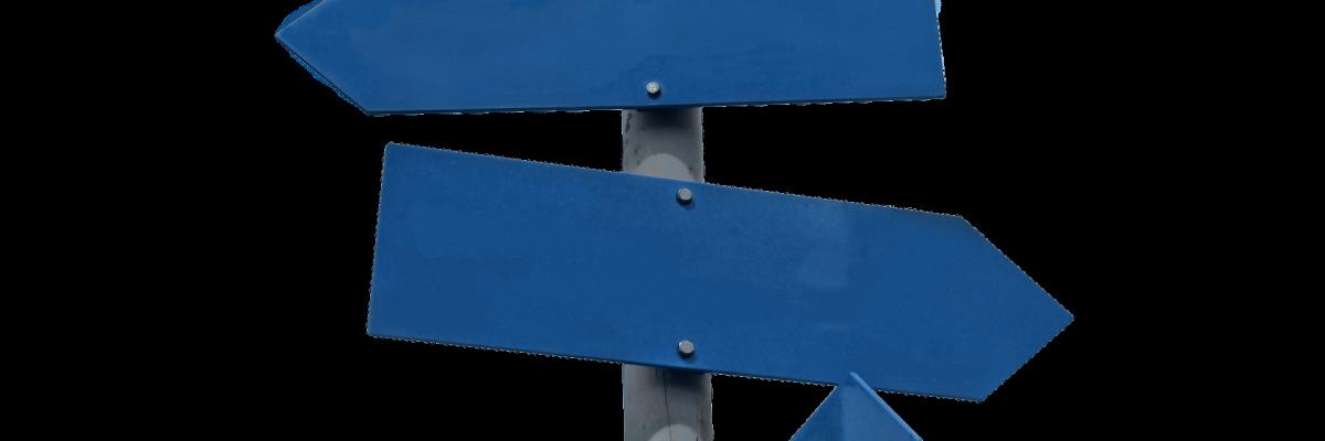 Poteau indicateur par JanBaby, licence CC0. Source [Pixabay]