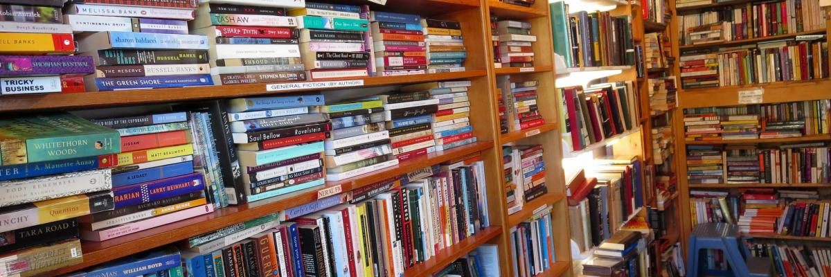 So. Many. Books. par  Beth Jusino, licence CC : BY-NC 2.0. Source [Flickr]