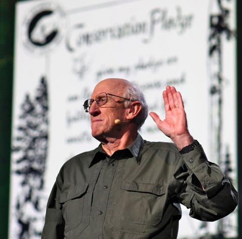 Stewart Brand at TED (8555329924) by Steve Jurvetson, licence CC:BY. Source [wikimedia commons]