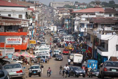 Downtown Monrovia by Erik (HASH) Hersman. Licence CC : BY, source [Flickr]