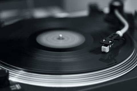Like a record baby par Maarten Hostra, licence CC : BY-NC-SA. Source [Flick'r]