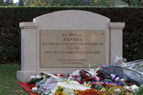 Rwandan genocide memorial (Père-Lachaise). Source [wikimedia commons]