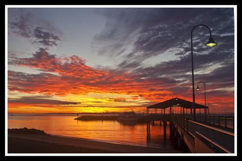 sunrise over Moreton Bay 1 by Sheba-Also, licence cc : by-ns-sa, source [Flick'r]