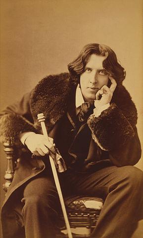 Oscar Wilde portrait by Napoleon Sarony. Source [Wikimedia Commons]