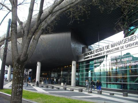 Grenoble Ecole de Management par 朝彦, licence CC0. Source [Wikimedia commons]
