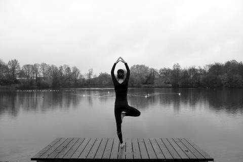 yoga par Bär Baer, licence CC : BY 2.0. Source [Flickr]